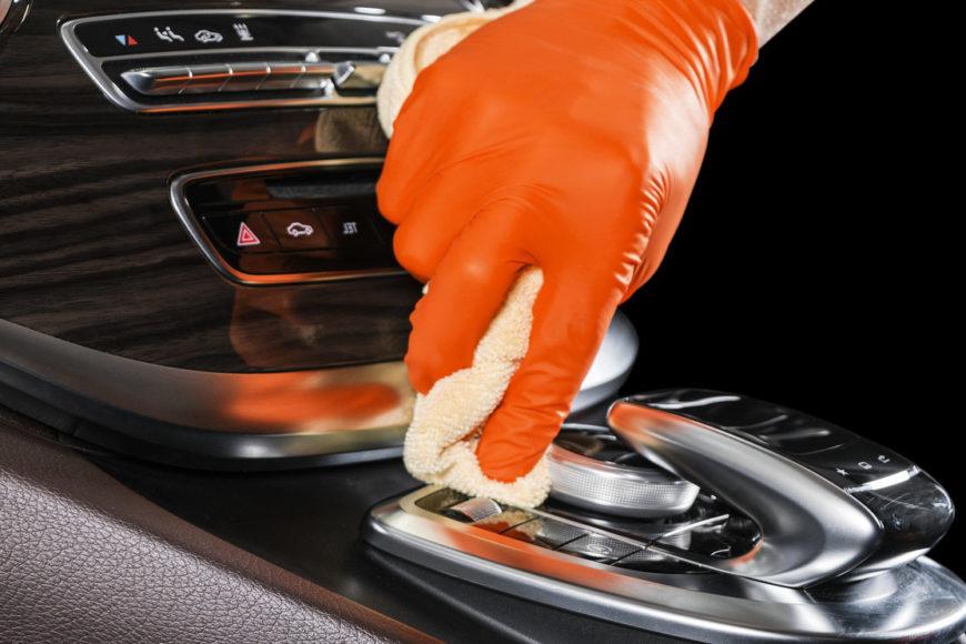 Cum sa va igienizati masina pentru a reduce riscul de coronavirus?