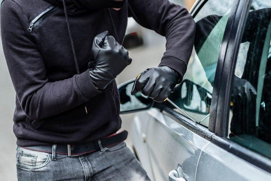 Cum să ne protejăm mașina de hoți? Sfaturi pentru o siguranță sporită